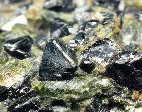 Драгоценные редкоземельные металлы.